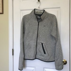 Nike Grey ZIP-Up! COMFY AND CUTE